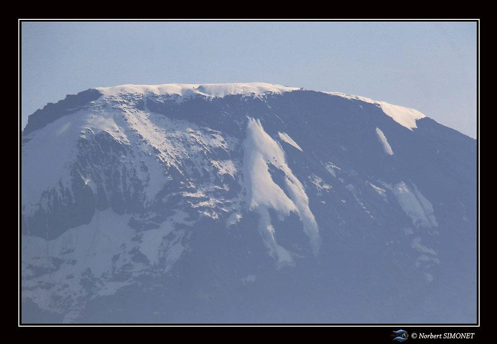 Levé du jour sur le Kilimandjaro.jpg