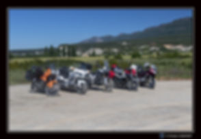 Motos_stationnées_Espagne_-_Paysage_-_Ca