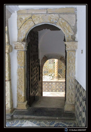 Porte palais Ottoman.jpg
