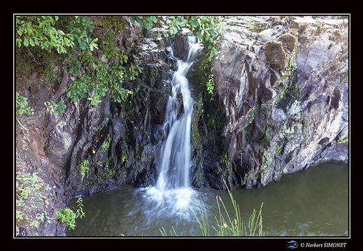 Etang_de_Néal_chute_d'eau_GP_Paysage_-__