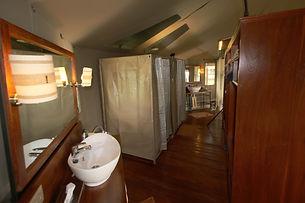 Salle de douche et rangement bis tente S