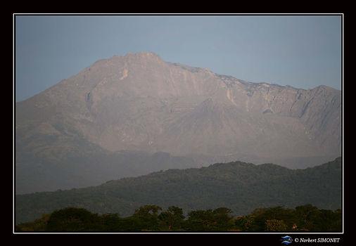 Levé de soleil sur le Mont Méru - Cadre