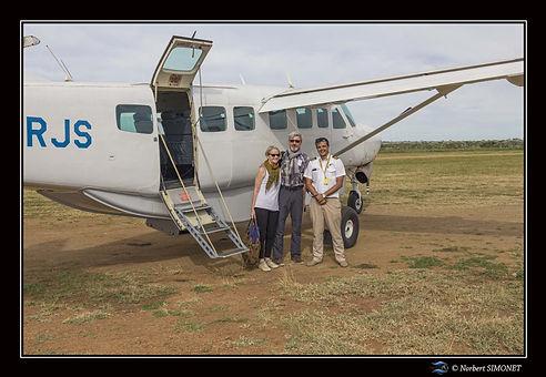 Avion et pilote et nous aérodrome Serone