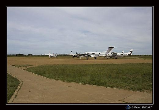 Avions aérodrome Seronera - Cadre Paysag