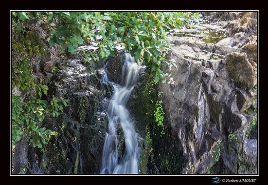 Etang_de_Néal_chute_d'eau_haute_GP_Paysa