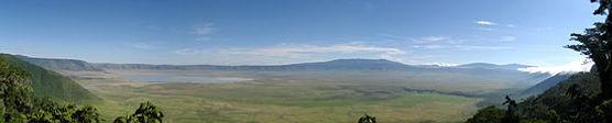 550px-Ngorongoro_Crater_Panorama.jpg