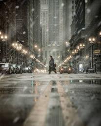 Chicago_BoardOfTradeBusinessman_SNOW_202