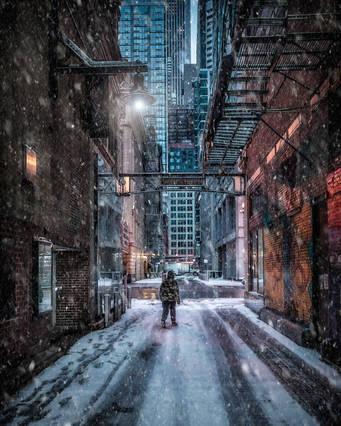 ChicagoStateStreetAlleySnow_Jan2021_sRGB