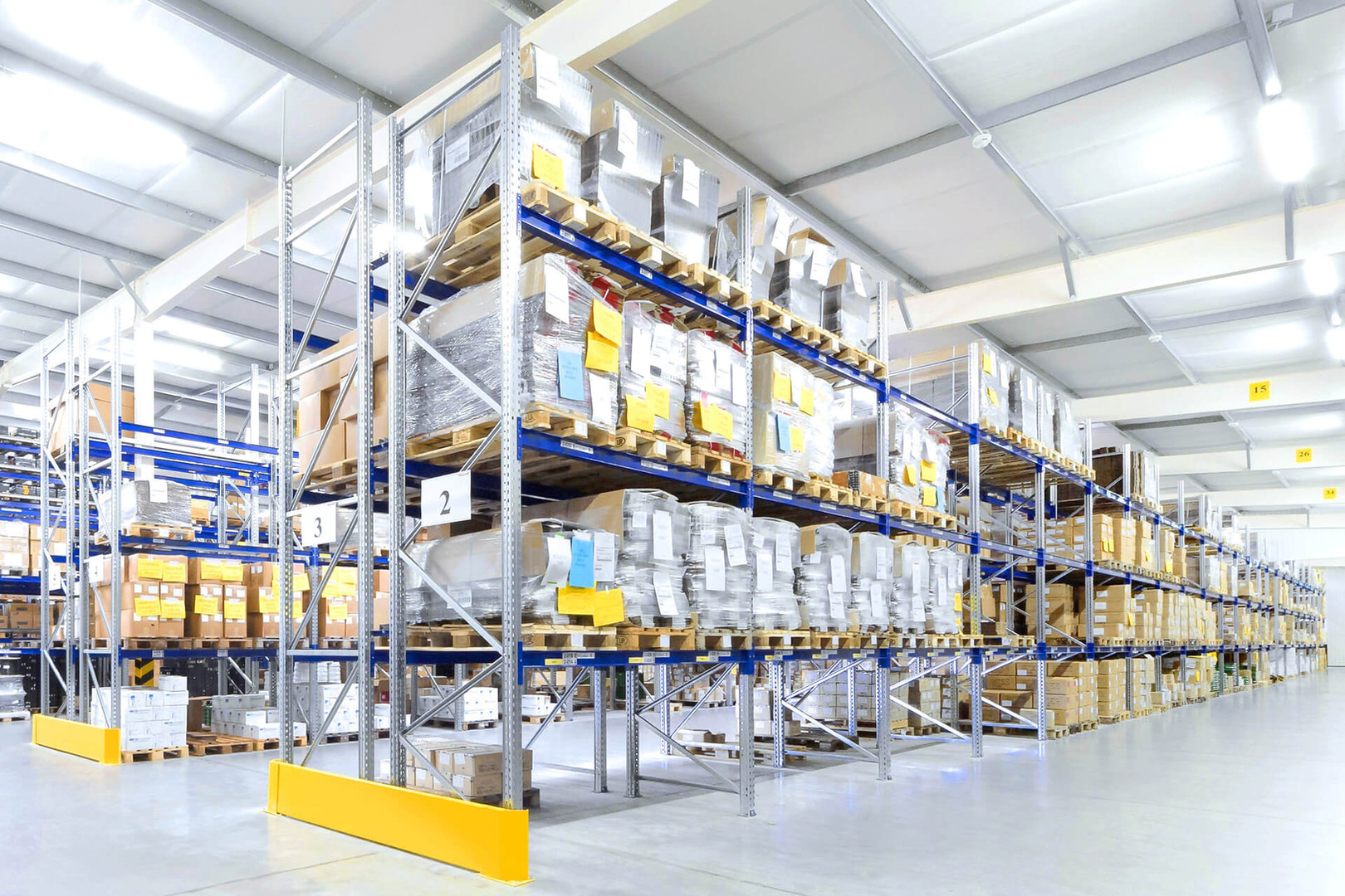 Industry-Sector-Warehouse-Logistic-2-Ski