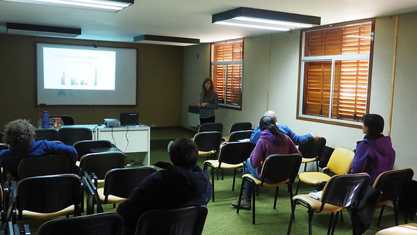 A student lectures in Argentina... in Spanish!