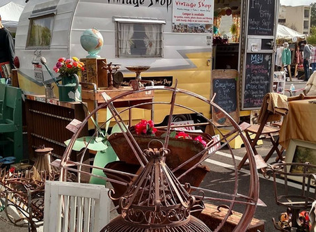 Dealer Spotlight: Itty Bitty Vintage Shop