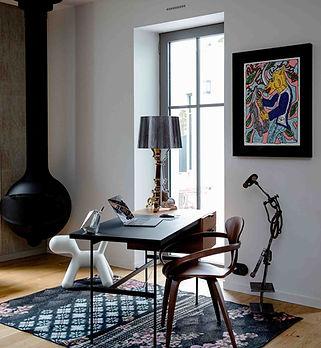 bureau design avec lampe kartell et puppy magis collection Me Too dekode deco interieur nantes