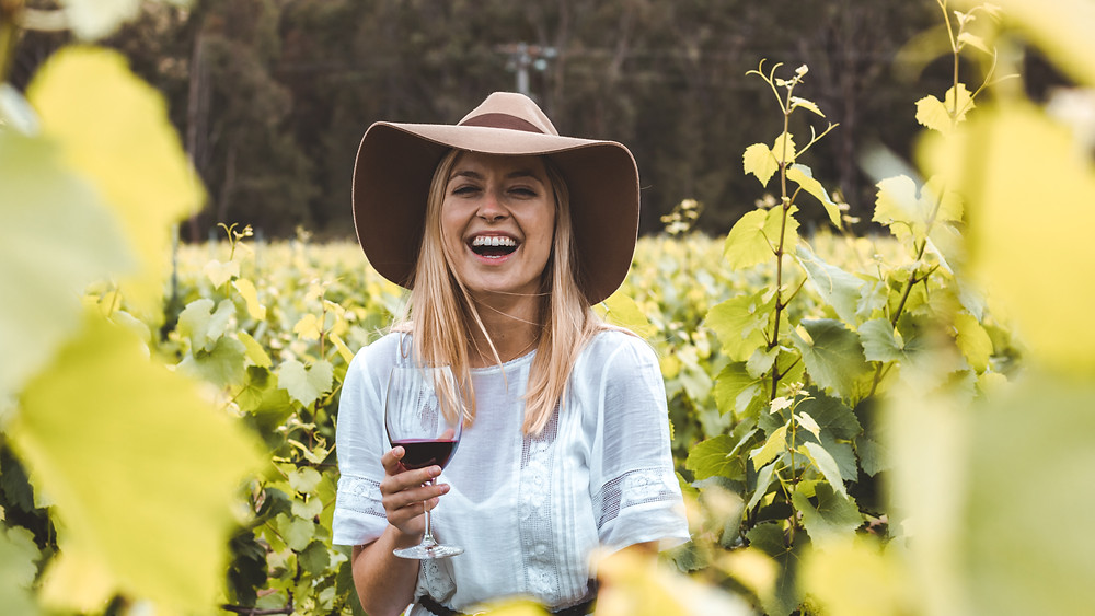 Visit Hunter Valley: experience the oldest wine region in Australia and enjoy their tastings and restaurants
