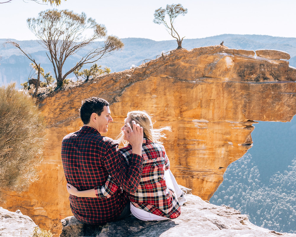 Visit Hanging Rock in the blue mountains! One of the most incredible lookouts only a 2hr drive from Sydney!