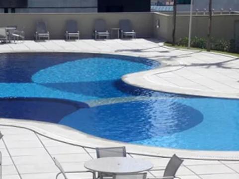Troca de areia do filtro da piscina