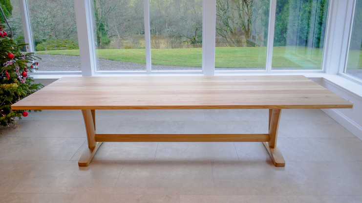 Scottish Elm dining table side view