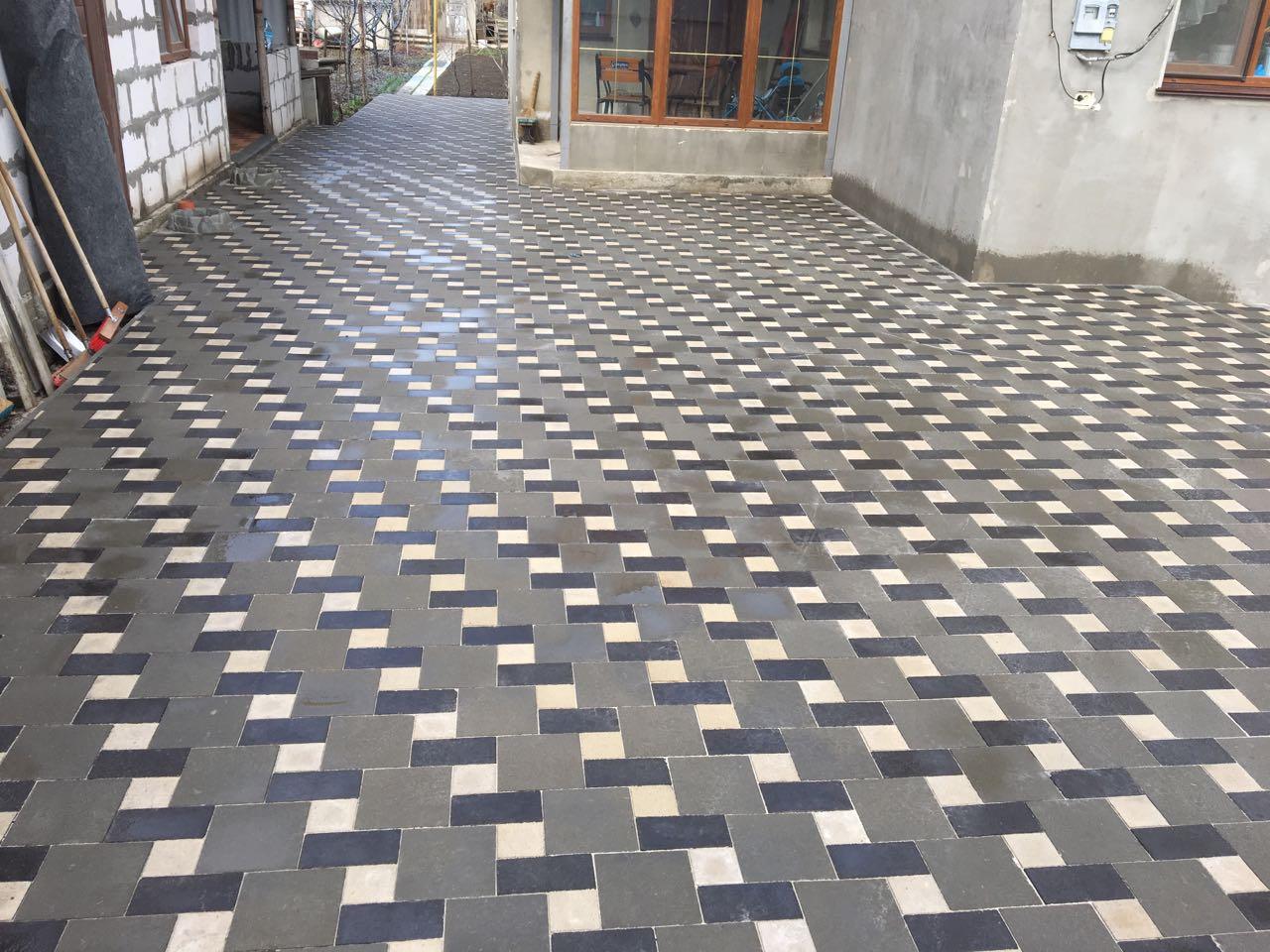 Тротуарная плитка квадрат и кирпич