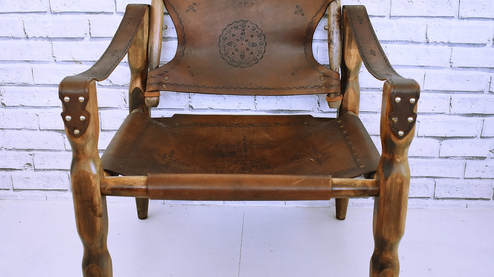Engraved Leather Chair #2- 3 day hire