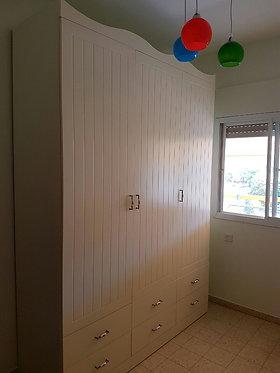 """ארון אמלי 3 דלתות 180 ס""""מ"""