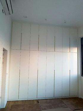ארון קיר לפי הזמנה מקיר לקיר עד גובה תיקרה 3 מטר