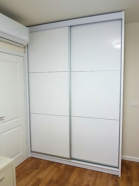 ארון הזזה 2 דלתות HIGH GLOSS עם פסי הפרדה אלומיניום 160/240