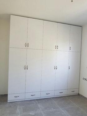 ארון 5 דלתות בהזמנה מיוחדת עד גובה התיקרה