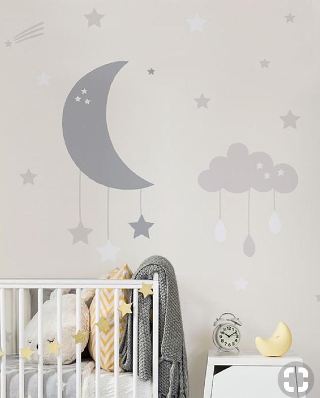Media luna, nubes y estrellas