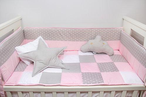 Set de cuna rosado c/gris y estrellas blancas