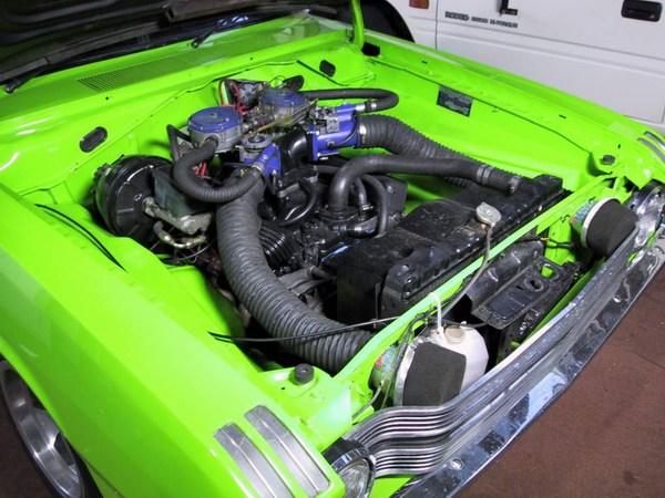 enginebayshowingintakes.JPG