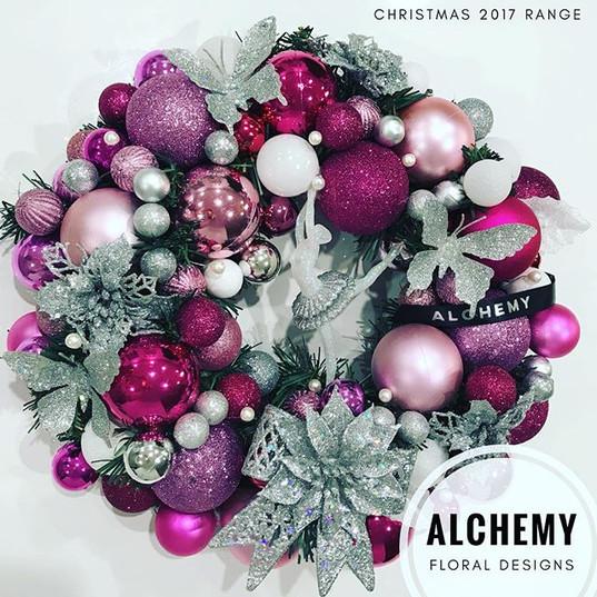 Mini executive wreath with pearls, a dan