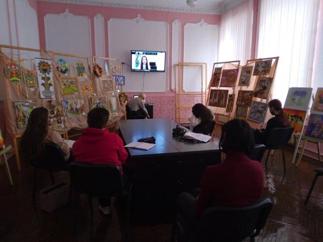 Для лідерів учнівського самоврядування був проведенний тренінг Українського державного центру