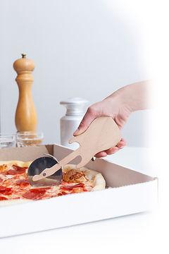 CU108- Rockin Pizza Cutter3.jpg