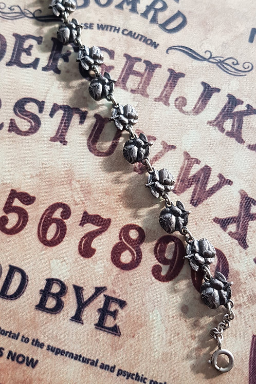 "Bracelet ancien ""Roses & Sainte Vierge"""