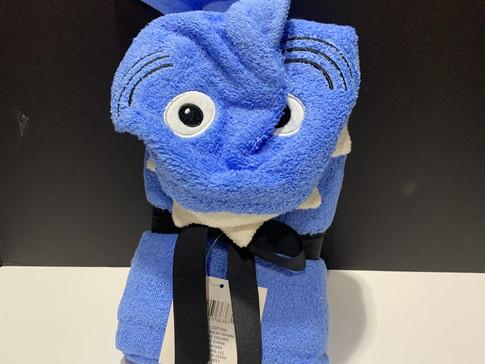 hooded towel - shark