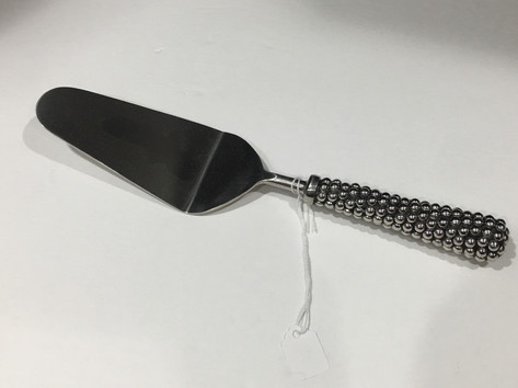 Beaded cake knife