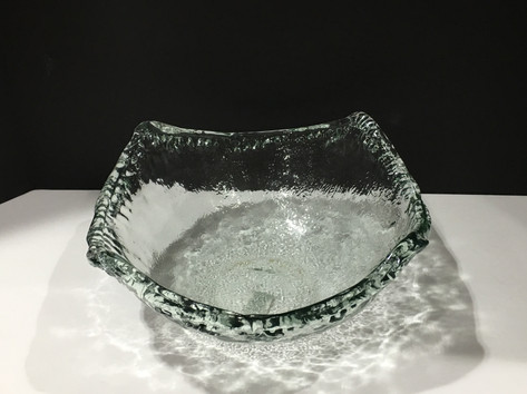 Glass angular bowl