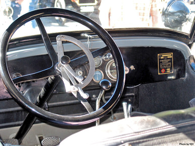 1922 Chalmers - Dash