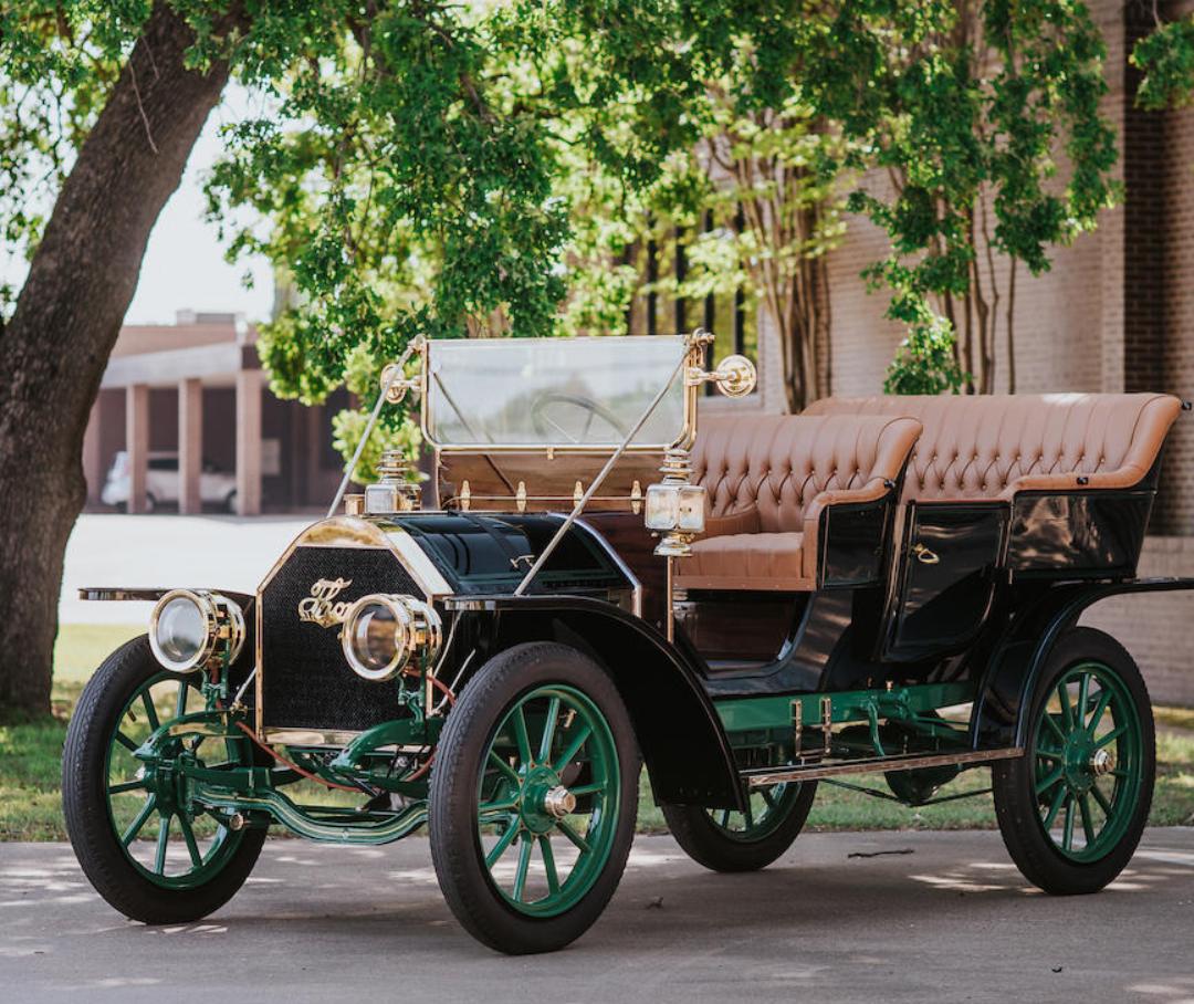 1907-Thomas-Detroit-Model-C-Tourer.png