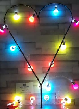 Illuminated freestanding heart table cen