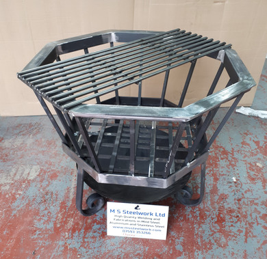 Hexagonal firepit with removable grill