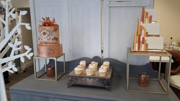 Wedding cake contempary cube frames