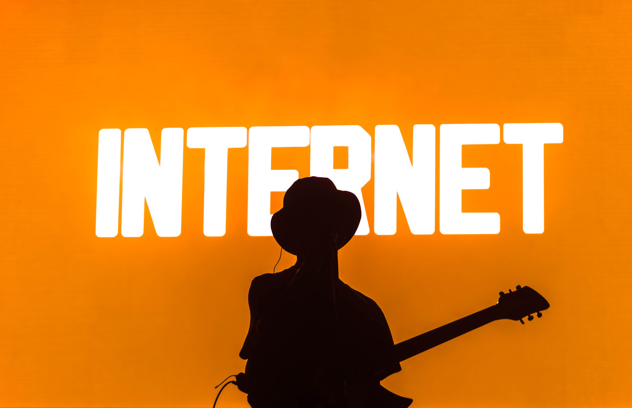 The Internet • Photo by RayLoveJr