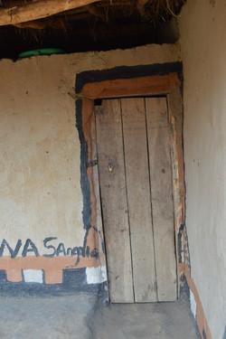 Kamangadazi, Nzimba (41).JPG
