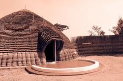 Rwanda_Kings_Hut_(submitted_by_Larsen_Payá)1.jpg