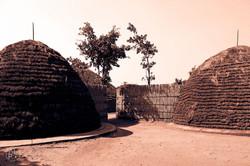 Rwanda_Kings_Hut_compound_(submitted_by_Larsen_Payá)4.jpg