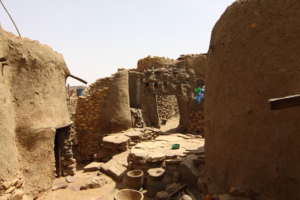 Mali Niongono village Kitchen yard of one of the quartiers of Niongono (submitte