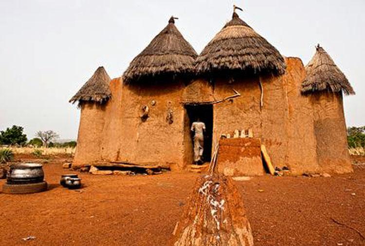 Benin Tata somba 4 (submitted by Kamirou Lafia Yarou).jpg