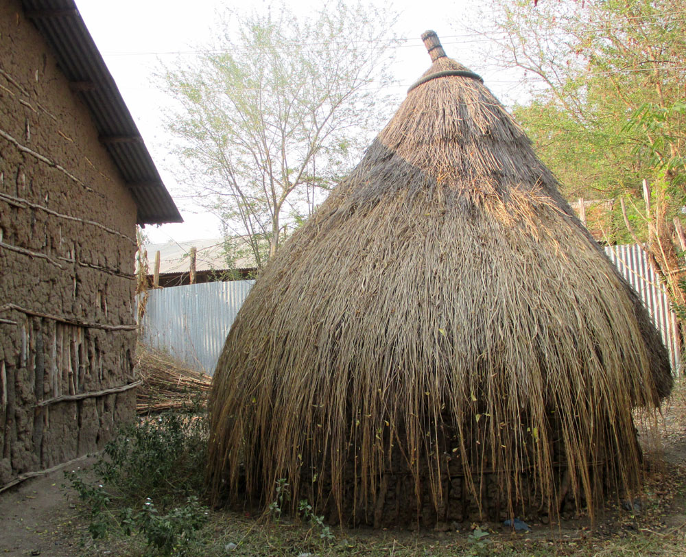 Ethiopia round kitchen with thatch roof (submitted by Abby Morris).jpg