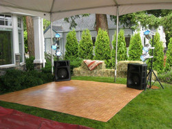small-oak-dance-floor-on-grass