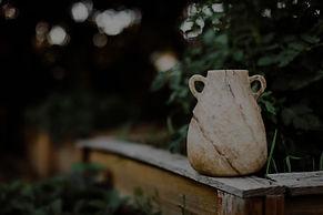 Vase_01_edited.jpg